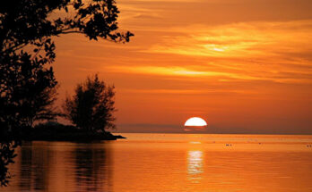 The view of the sea and a sunset in Key West